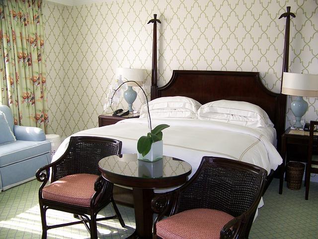bedroom-394530_640