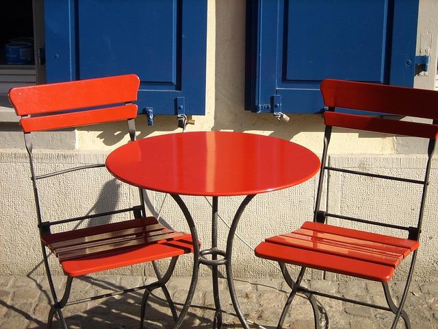 cómo mantener los muebles de exterior de aluminio