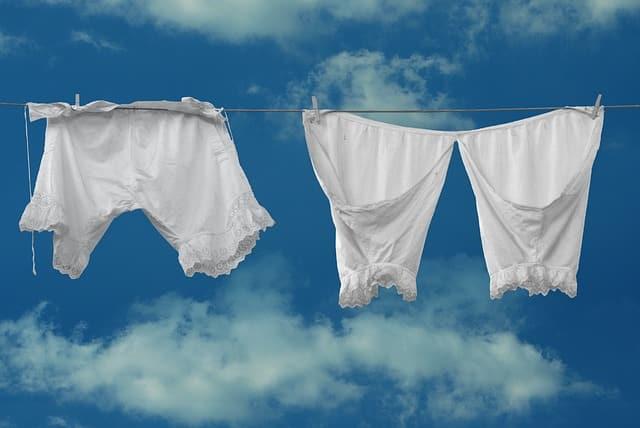 Cómo acabar con los malos olores en la ropa
