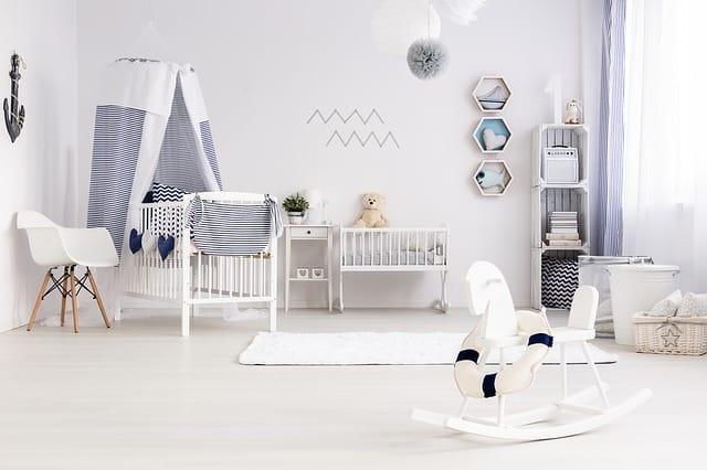 Cómo crear una zona para el bebé dentro del salón o dormitorio