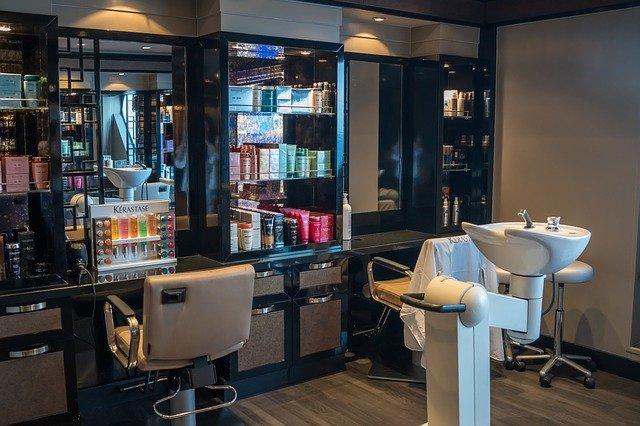 Cómo decorar una peluquería con poco dinero