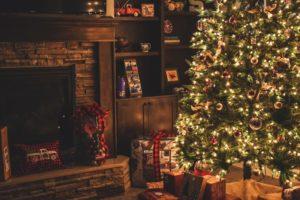 Decorar chimenea para navidad